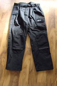 Joe Rocket 3XL Motorcycle riding pants. Waist Size 40-42