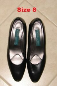Womens shoes (dress shoes) (practically new) ($25 each pair)