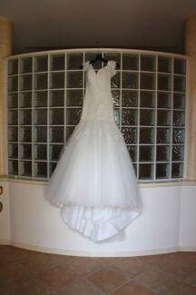 Gorgeous Ivory Raffinato wedding dress size 6