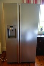 Samsung Fridge & Freezer with Water & Ice in Excellent condition Hunters Hill Hunters Hill Area Preview