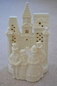 Like New PARTYLITE Christmas Candle Holder: Village Carolers