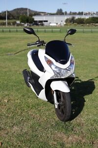 Honda PCX150 Scooter 2012 model plus saddle bags & cover Narrabeen Manly Area Preview