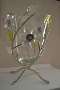Pretty Floral Glass Vase & Matching Wall Decor