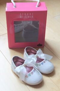 Stuart Weitzman Girls white patent shoes with flowers size 4 London Ontario image 1