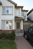 BEAUTIFUL 3 BEDROOM TOWNHOME!GREAT LOCATION!!AVAILABLE NOW!