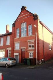 Two bed apartment in South Golborne to let