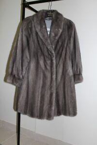 Manteau de vison gris pâle naturel ( bleu iris )