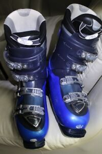 Ski boots men's size US 11 or 29.0 atomic CR9 with 4 buckles 2 o