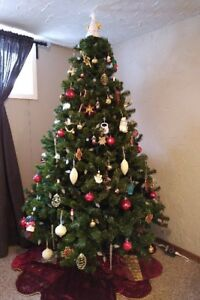 7.5 ft Artificial Christmas Tree