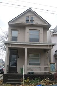 DOWNTOWN, PARKING, LAUNDRY, FENCED BACKYARD, EAT IN KITCHEN & DR