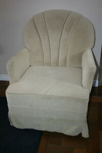 Beautiful Ivory Chair $25.00 Excellent Condition
