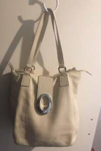 Oroton Cream Leather Tote  47 Handbag as new REDUCED FOR QUICK SALE ... d4b06d5bd4996