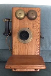 Many Different Vintage Telephones West Island Greater Montréal image 4