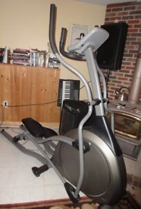 Eliptical Trainer, pro, in excellent condition