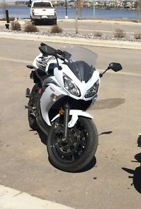 Like NEW 2013 Kawasaki Ninja 650 For Sale