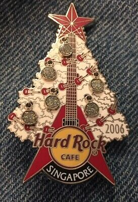 Hard Rock Cafe Pin~Singapore~2006~Guitar & Christmas Tree~Dangle Bulbs~LE 200 ()