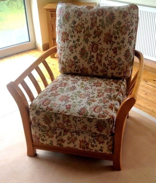 Groovy Pair Of Cottage Style Easy Chairs Teak Wood Construction Clean Upholstery Bargain Price In Hornsea East Yorkshire Gumtree Home Interior And Landscaping Oversignezvosmurscom