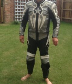 Two piece zipped together Hein Geriche motorcycle size UK40 jacket UK36 trousers