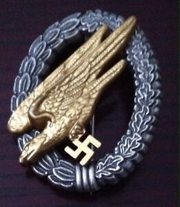WW2 reproduction  German paratrooper  Badge  in gold