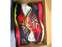 D30 Excel 2 Trainers Mens Size 12