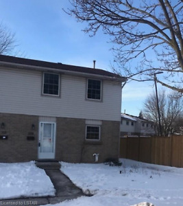 3+1 bedroom Town home home for rent near Whiteoak Mall