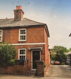 Charming 2 double bedroom Victorian cottage in Farnham town centre walking distance to station
