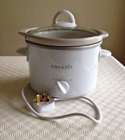 Crock-Pot Stoneware Slow Cooker 2.4L BOXED with instruction manual & recipe book