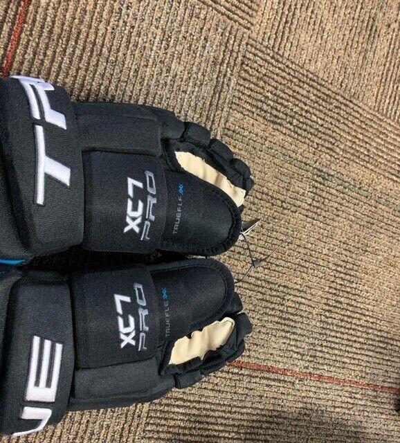 """True XC7 Pro Senior Hockey Gloves -Black 13"""" (NEW)"""