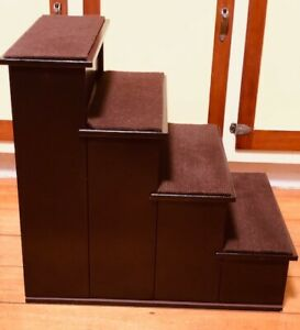 PET STAIRS -  4 STEPS - SOLID CONSTRUCTION -  CARPET TREADS