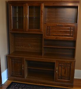 Wall unit with lots of storage