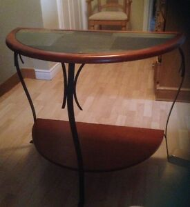 Accent/Foyer table