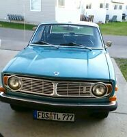 PRICE REDUCED!!!!  Beautiful 1969 Volvo 144S
