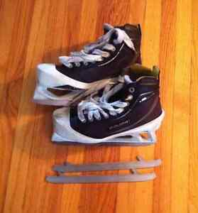 Bauer ONE80 goalie skates 4.5 D and extra blades