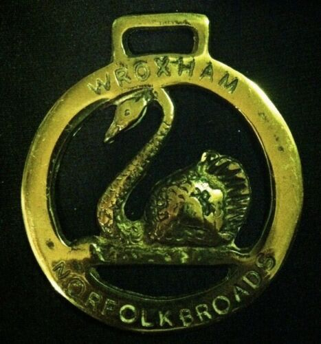 Vintage WROXHAM NORFOLK BROADS SWAN Horse Harness Brass England WOW YOUR WALLS!