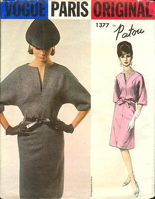 1964 Vintage VOGUE Sewing Pattern DRESS B36