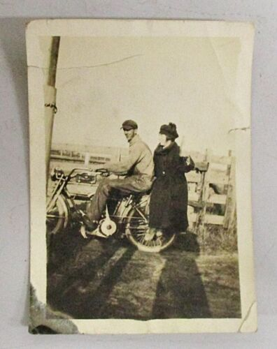 VINTAGE TEENS OR 1920s MOTORCYCLE PHOTOGRAPH
