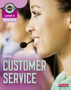 NVQ/SVQ Level 2 Customer Service Candidate Handbook (Paperback), . 9780435046897