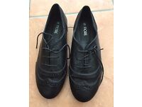 Brogue style flat shoes - Brand New size 6 - £5.00