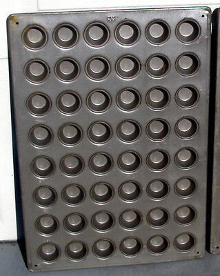 Ekco - Commercial - Muffin Baking Pan - Bakes 54 Muffins At A Time