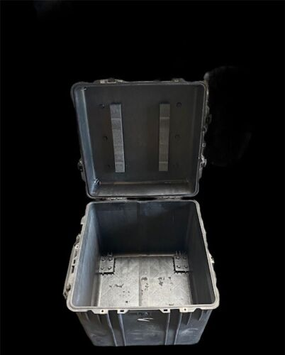 """Pelican Trade Shows/Shipping/Storage Case ~ 24"""" Cube - Model #0370 FREE shipping"""