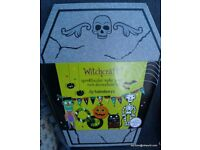 Halloween Make your own Decoration Kit - New
