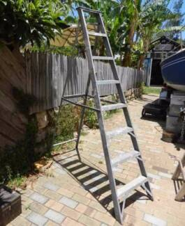 Aluminium Step ladder 2.4 metres