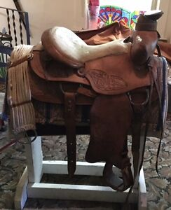 Vintage Cloverbar Western pleasure detailed tooled saddle