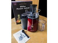 Andrew James - 850 watt Electric Whole Fruit Juicer - with juice collecting jug and cleaning brush