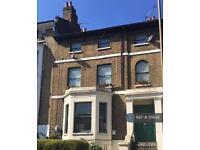 2 bedroom flat in Burrage Road, London, SE18 (2 bed)