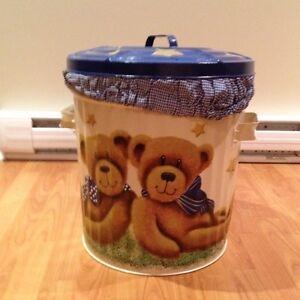 Decorative laundry pail