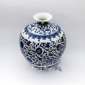New Jingdezhen hand-pianted  Blue and white porcelain Quintessence ceramic vase