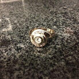 9 Carat Gold Twist Ring.