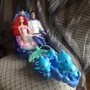 Barbie Ariel et Eric et leur carrosse musical