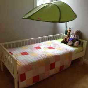 Kids bed - for kids aged 3 to 7 ( Toddler bed )
